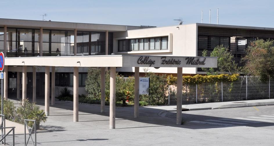 Maison de retraite bormes les mimosas top vente with for Appartement maison de retraite
