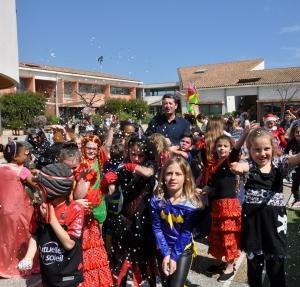 L'école élémentaire fête Carnaval