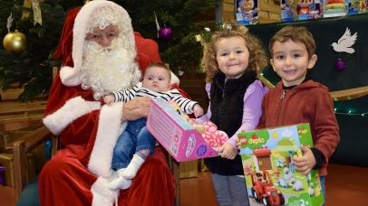Les élèves de CP, CE1 et CE2 ont chanté en chœur
